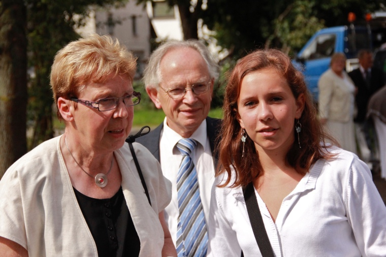 Margret and Johannes Grote, with Laura Grote (*24.08.1998).