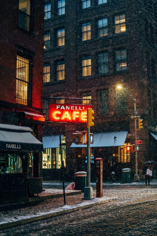 Fanelli Cafe - unsplash.com