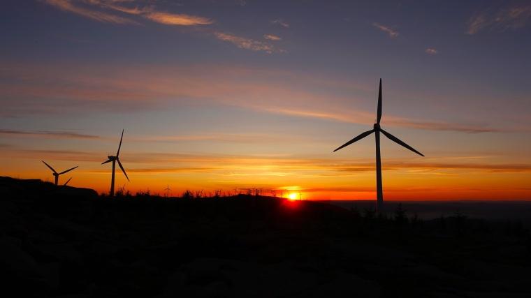Wind Turbine - Dynamic Applications - Header